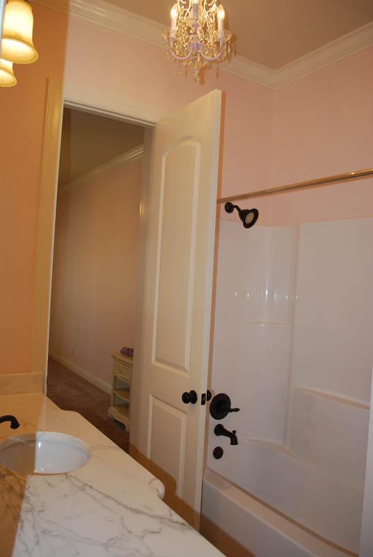 Bathroom 3 (2)